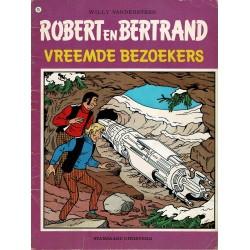 Robert en Bertrand - 025 Vreemde bezoekers - eerste druk